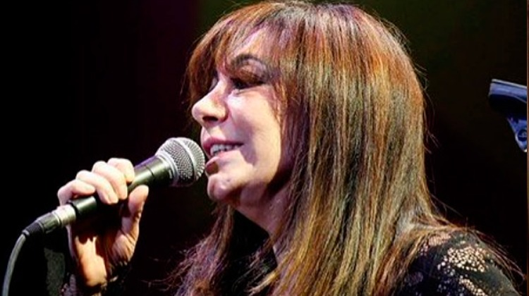 Adriana La Gata Varela contrataciones