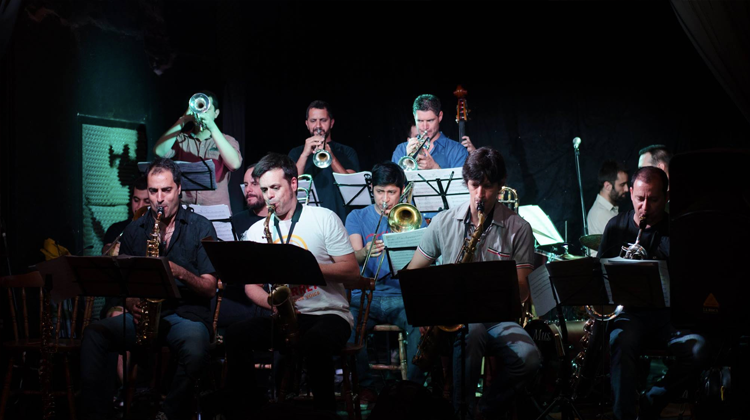 Contratar a Anonimus Big Band