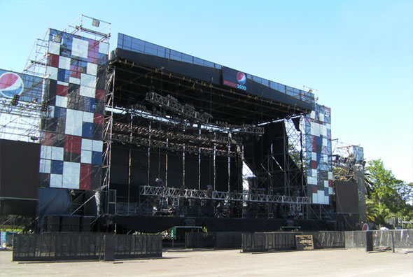 Armado de escenarios para festivales