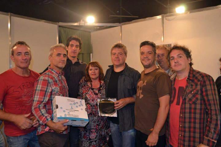 Pericos en el Festival Cueva de las Manos 2014
