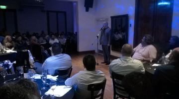 Carlos Sánchez en fiesta de fin de año de CYE construcciones