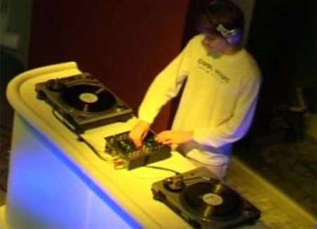 Contratar a Cool Music DJ