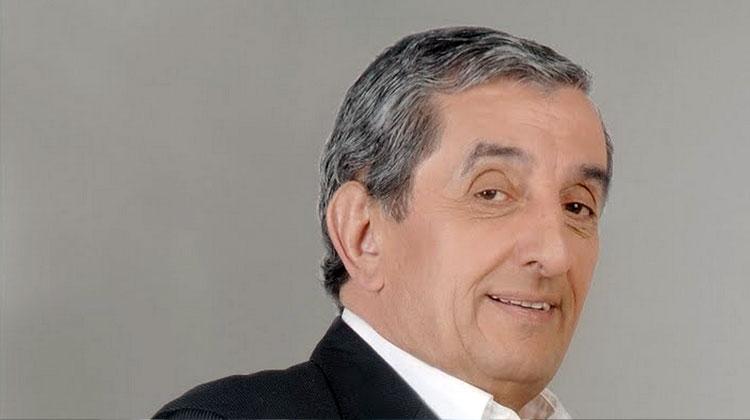 Contrata al Negro Álvarez