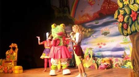 Contrataciones de Yamila y el Sapo Pepe