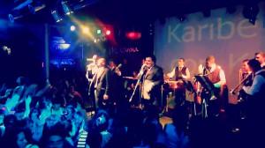 Contratar a Karibe con K