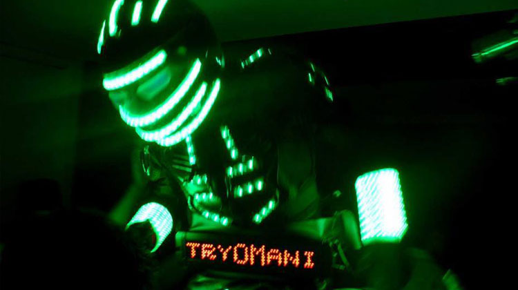 Contratar a TryOMani, el robot led de Showmatch