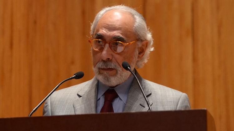 Contratar a Santiago Kovadloff