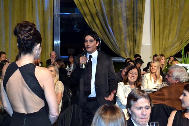 Sebastián Estevanez en la cena solidaria Fundación Nordelta 2014