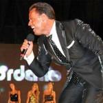 Andres Rey, doble de Luis Miguel