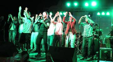 Ariel Puchetta y la Otra Dimensión en la Fiesta de Tres Sargentos