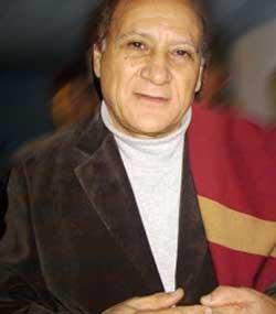 """Contratar a Carlos Sanchez """"El Tucu"""""""