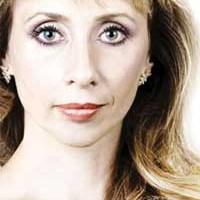 Contratar a Eleonora Cassano