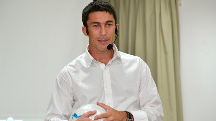 Para contratar a Gonzalo Vilariño envía tu consulta por nuestro formulario de contacto.