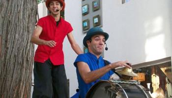 Contratar a La Mar en Coche - Circo Teatro