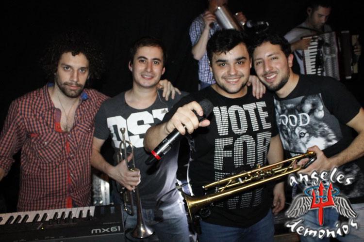Los Totora en el Club de Regatas Corrientes