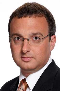 Contratar a Mariano Yezze