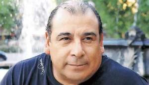 Contratar a Roly Serrano