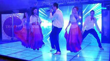 Contratar a Tayrona, Show Latino