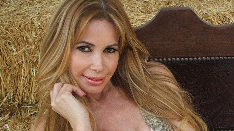 """Contrataciones Fernanda Herrera """"La bogada hot"""""""