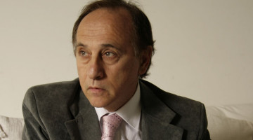 Dr. Adrián Sapetti