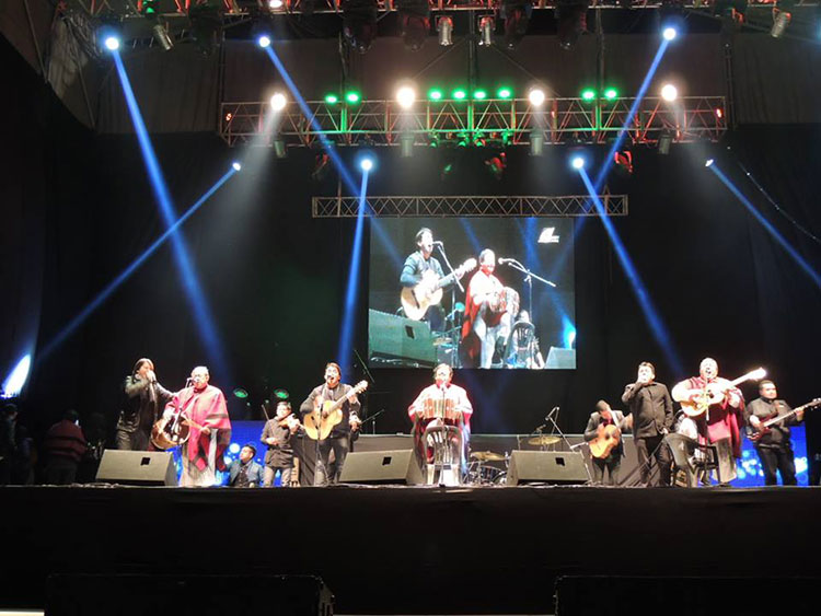 Contratar artistas de folklore para festivales