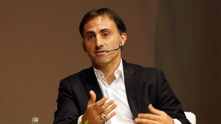 Contrataciones Diego Latorre