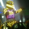 Contrataciones RoberMan, robot de led luminoso