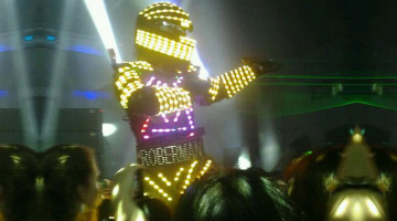RoberMan, robot de led luminoso