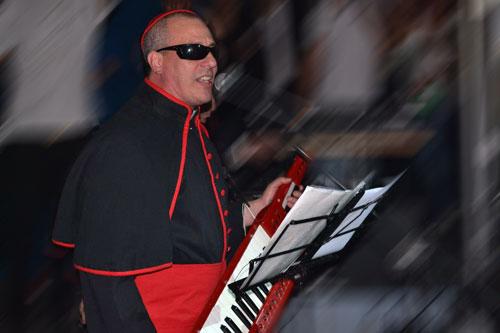 Yayo, Los Rebos y la Cumbia Papal en Complejo Pasacalle