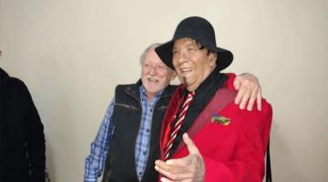 Jorge Corona en cumpleaños de 74