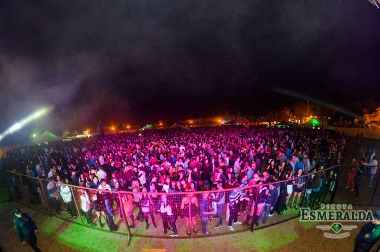Los Bonnitos y Grupo Play en la Fiesta Esmeralda, Paraná
