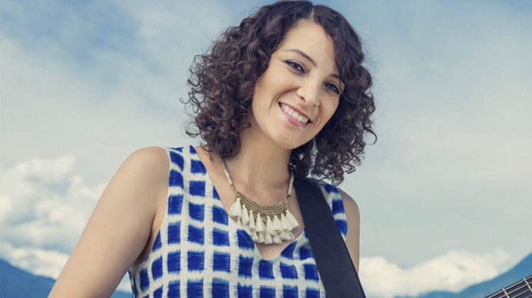 Gaby Moreno contrataciones