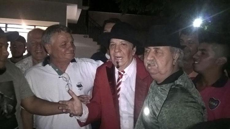 Contratar a Jorge Corona