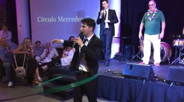Nazareno Móttola en fiesta fin de año Mercedes Benz, Puerto Madero