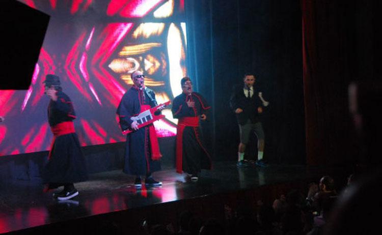 Peligro Sin Codificar arrasó en su debut teatral!