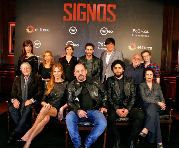 Contrataciones de los actores de Signos