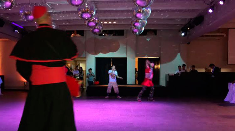 Los Puntos Cardenales contrataciones